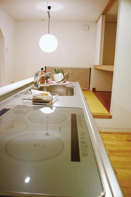 キッチン用品収納はライフステージ別の対処法で