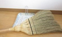 掃除機よりラク?箒が便利で、防災対策になる3つの理由