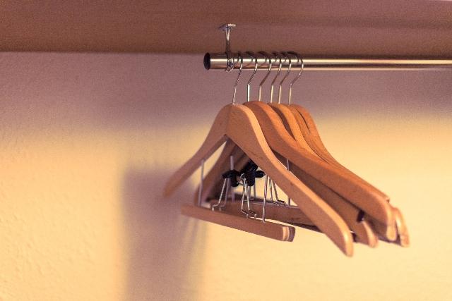 新基準!狭いクローゼットの服の収納